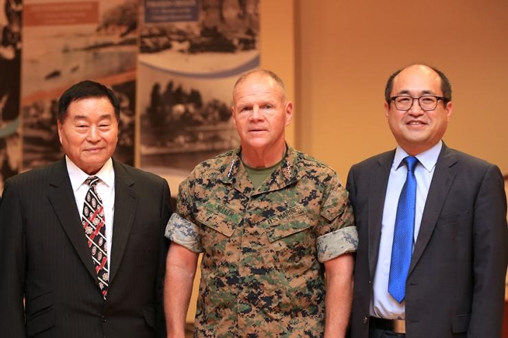 US Marine Commandant.jpg